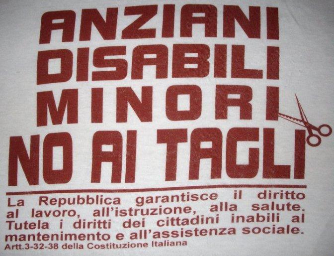 Manifestazione a Domodossola contro i tagli ai servizi sociali